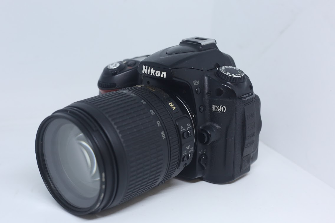 Nikon D90+18-105mm f/3.5-5.6G ED VR