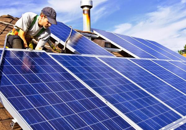 lắp pin năng lượng mặt trời