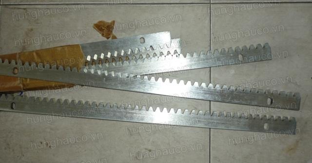 thanh răng truyền động dày 10mm (bán theo mét)