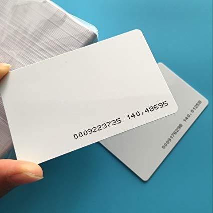 thẻ từ RFID dạng Card cho các thiết bị kiểm soát ra vào