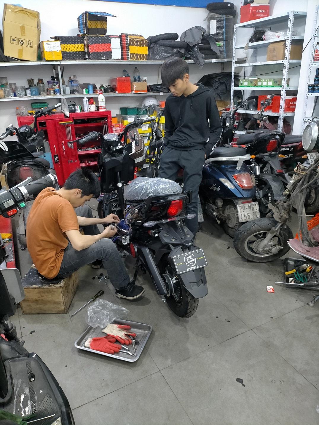 Dịch vụ chăm sóc xe tại cửa hàng Xe Điện Lan Anh