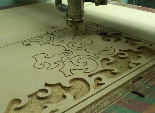 Cắt khắc CNC Mica, Gỗ, Alumium.