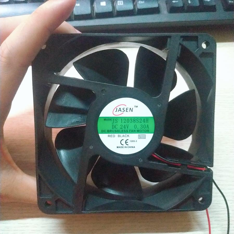 Quạt tản nhiệt 24V  12x12cm