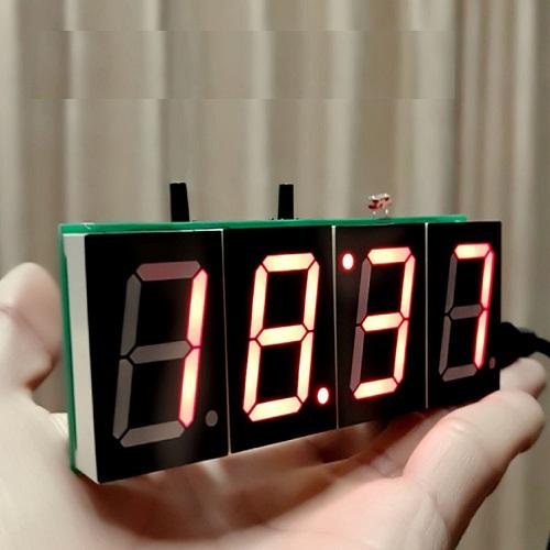 Đồng hồ tự Ráp DIY màu đỏ