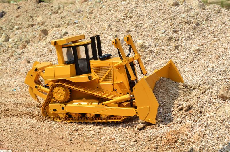 Rc hydraulic bulldozer 1/14