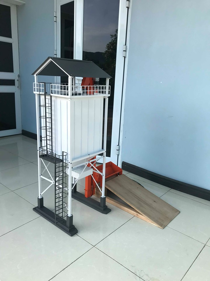 Silo +  Conveyor RC 1/14