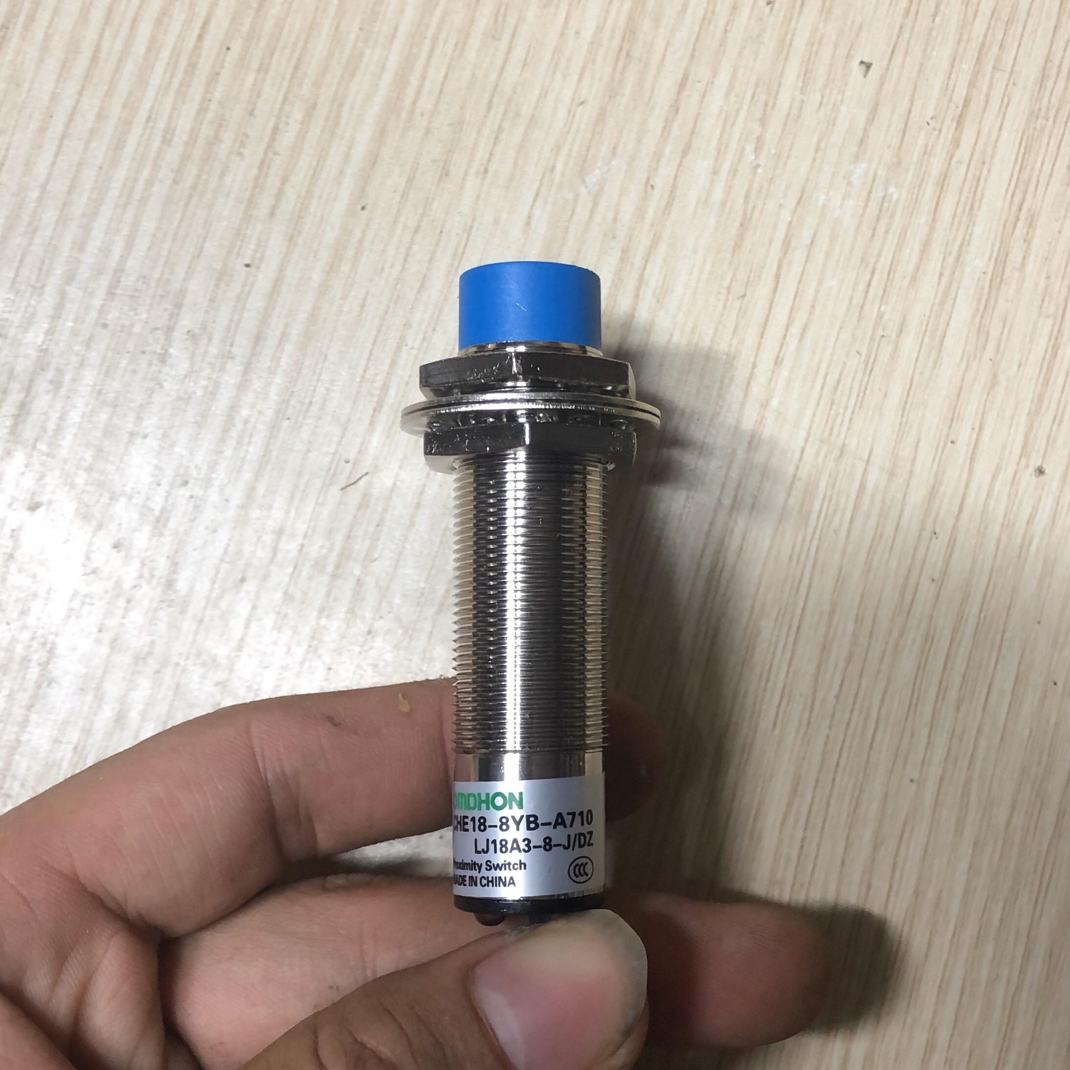 Cảm biến tiệm cận LJ18A3-8-J/DZ 220V AC thường đóng - K4H22