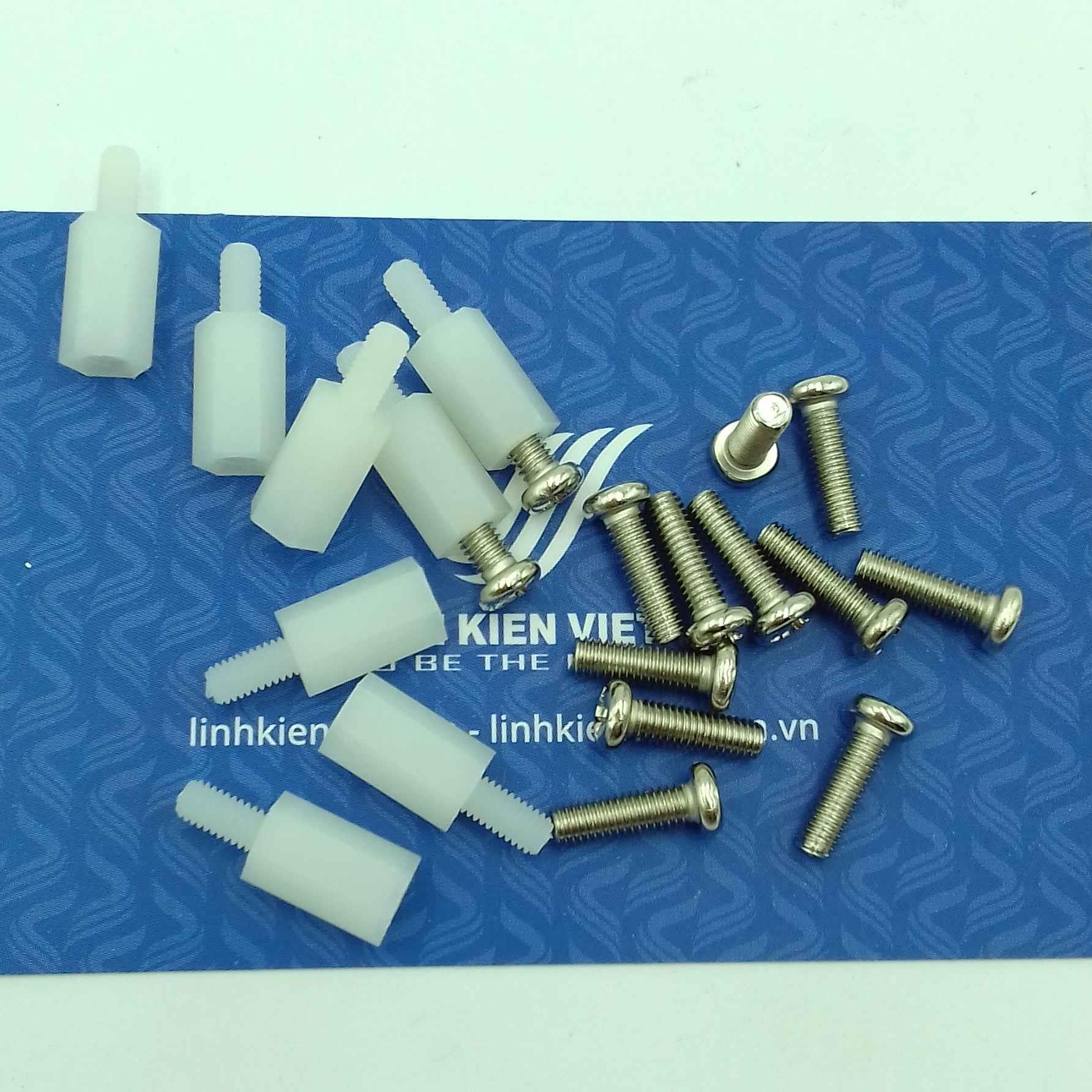 Cọc nhựa M3 10+6mm - K2H2