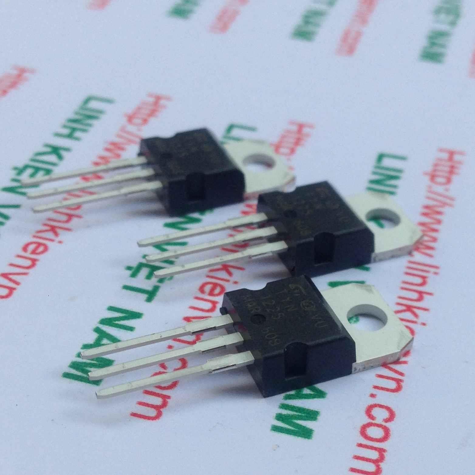 Thyristor TYN1225 / SCR TYN1225 - G4H14