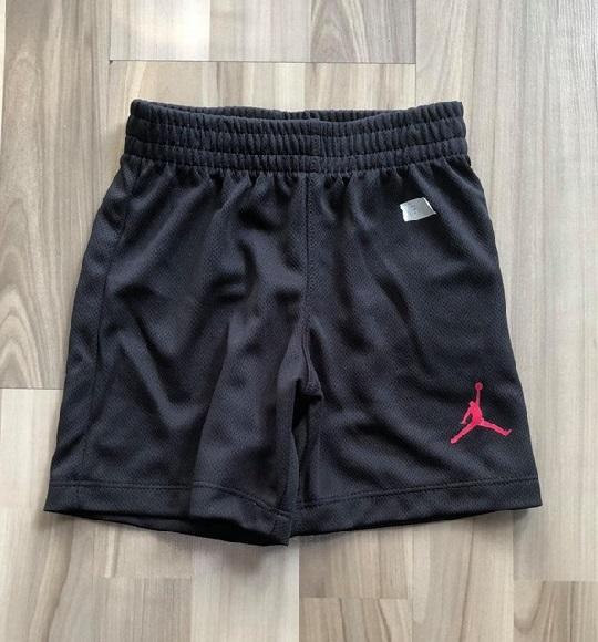 BT-Short thể thao Nike/Jordan đen lười trơn