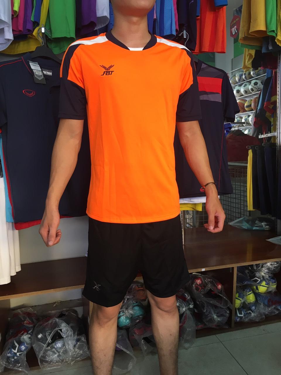 Bộ quần áo đá bóng FBT màu Cam/Navy - giảm tới 40% cho đơn đội
