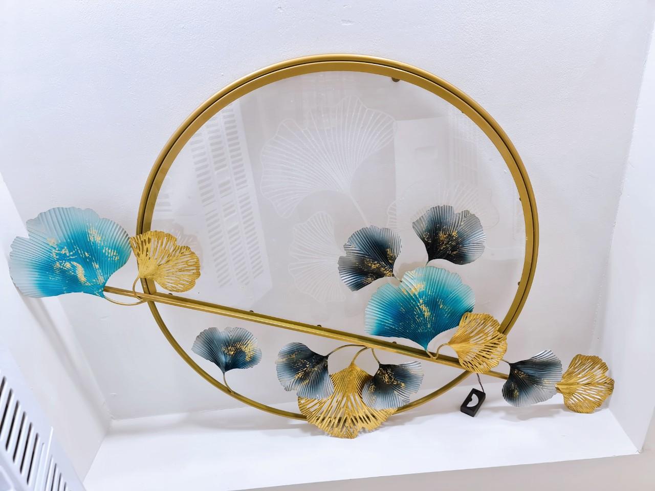 tranh-decor-tron-la-xanh-vang-mat-mika