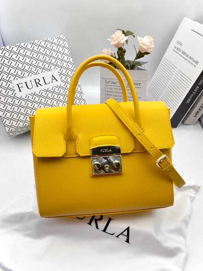 tui-furl-metropolis-satchel