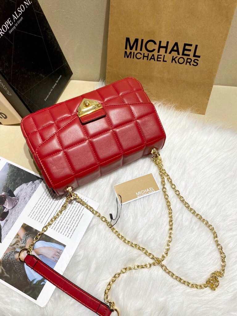 TÚI MICH🅰️EL KORS SOHO LARGE QUILTED leather shoulder bag
