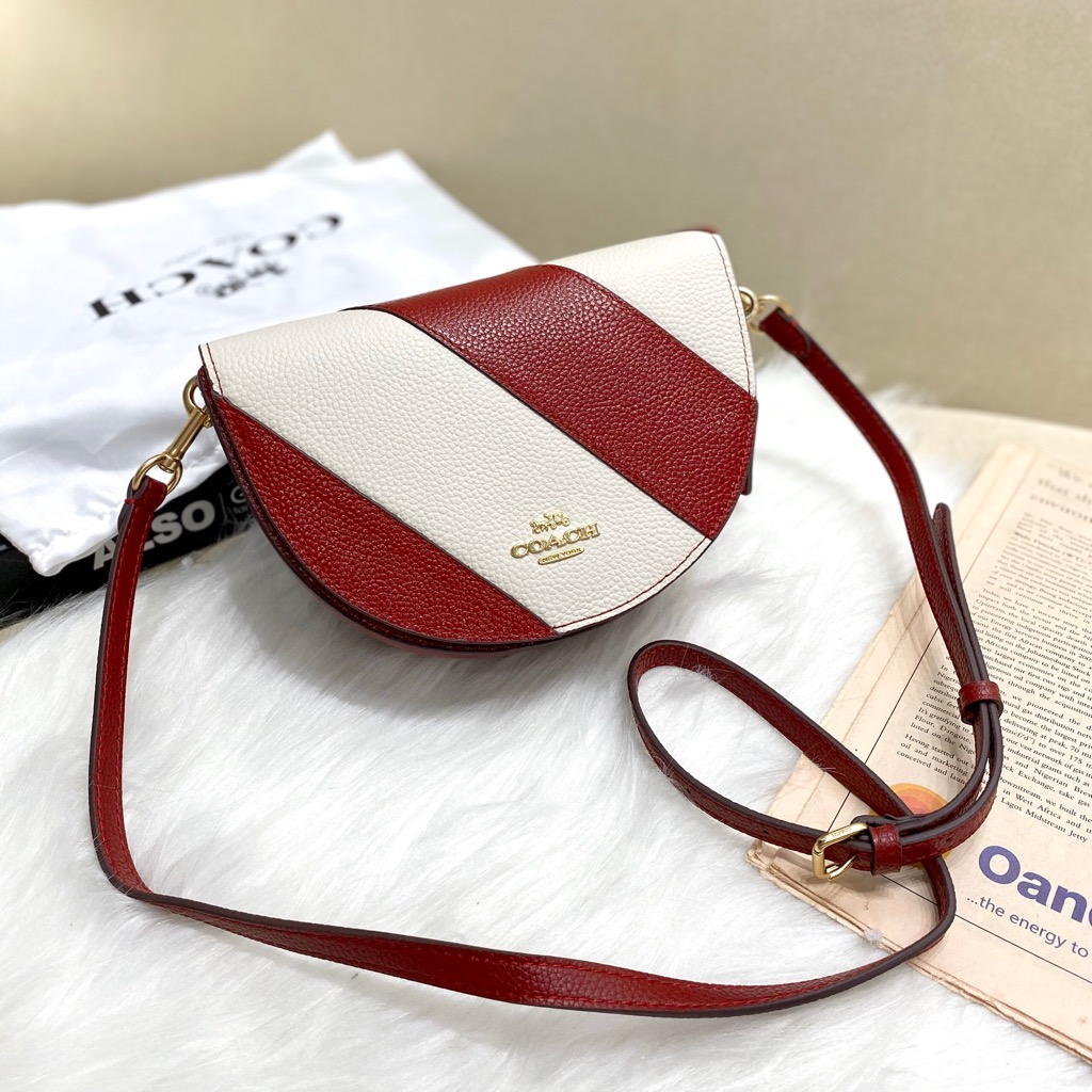Túi CO🅰️CH ELLEN CROSSBODY