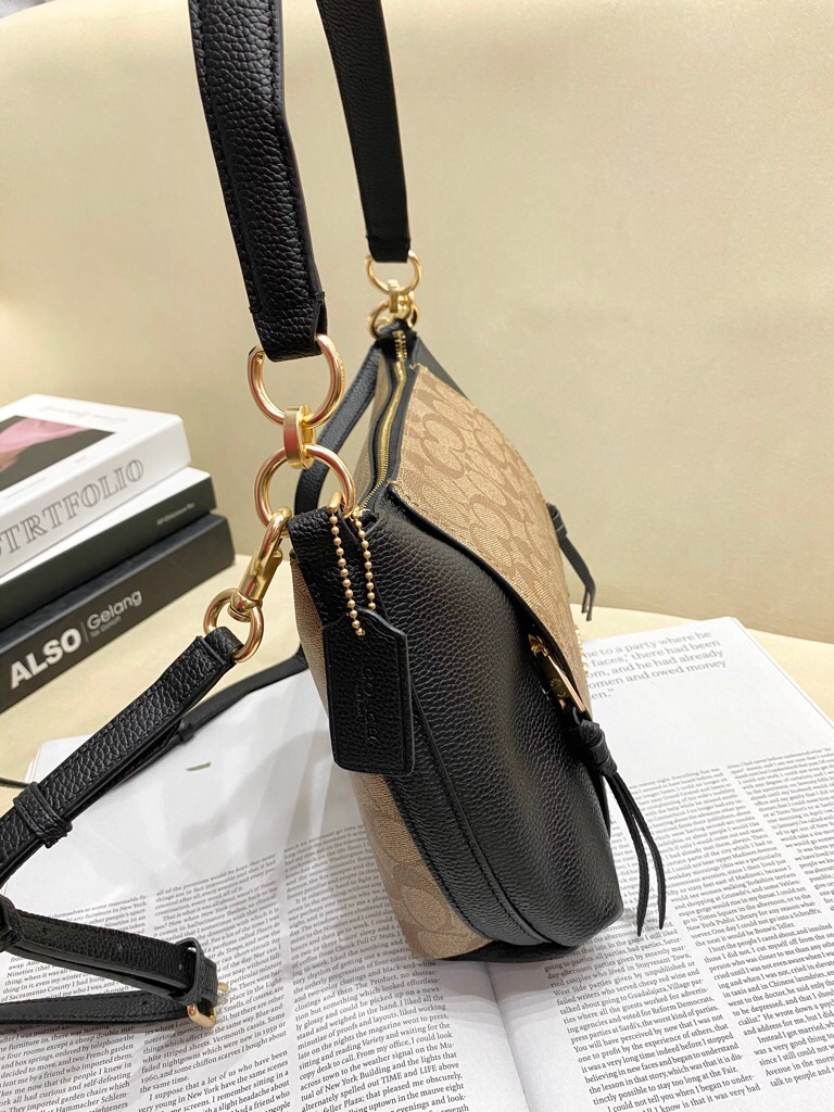 TÚI CO🅰️CH MARLON SMALL shoulder bag