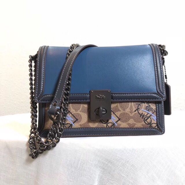 TÚI C🅾️ACH HUTTON SHOULDER BAG