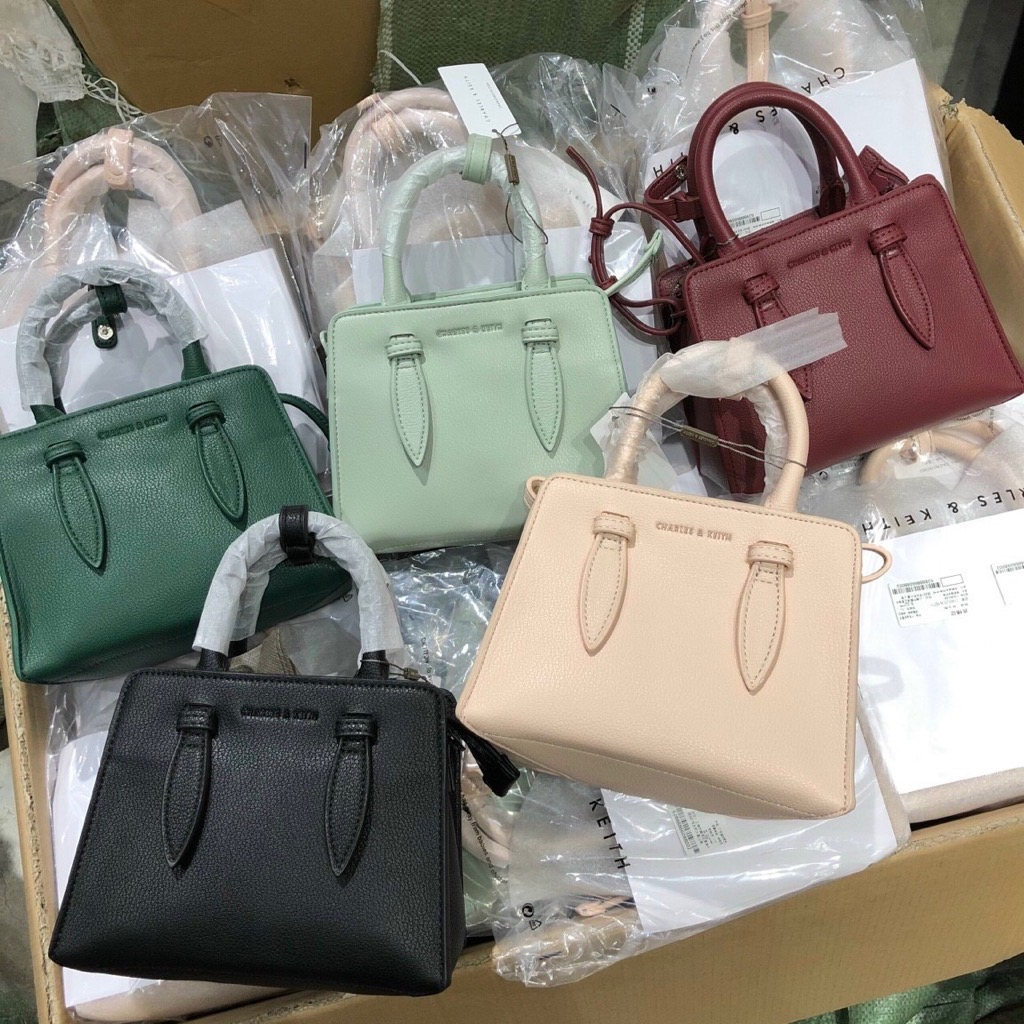 Túi Ch🅰️rles keith Double top handle structured bag