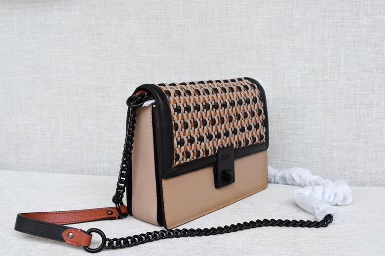 TÚI CO🅰️CH HUTTON SHOULDER BAG WITH WEAVING