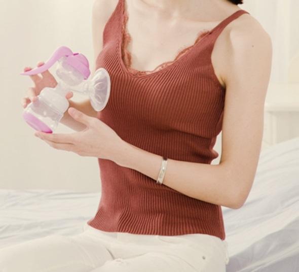 Phễu nhựa cứng phụ kiện cho máy hút sữa tay Kichilachi Nhật - mẫu mới