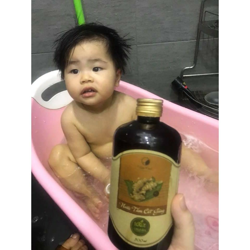 Nước tắm cốt gừng VietCare - giữ ấm cơ thể Mẹ sau sinh và cho bé 500ml