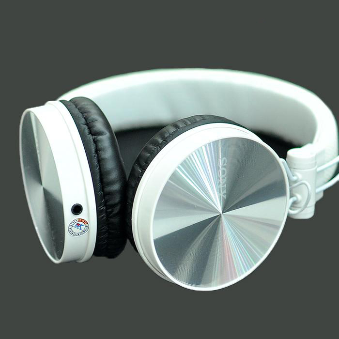 tai-nghe-sony-xb650ap-chup-tai