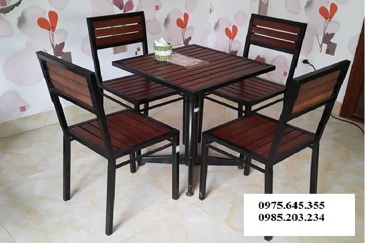 Bàn ghế cafe chân sắt mặt gỗ BCF01