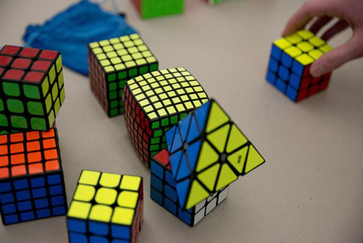 Finger Trick có thể áp dụng cả với Big Cube