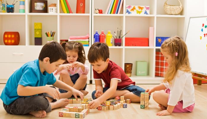 Giáo dục trẻ mầm non Montessori