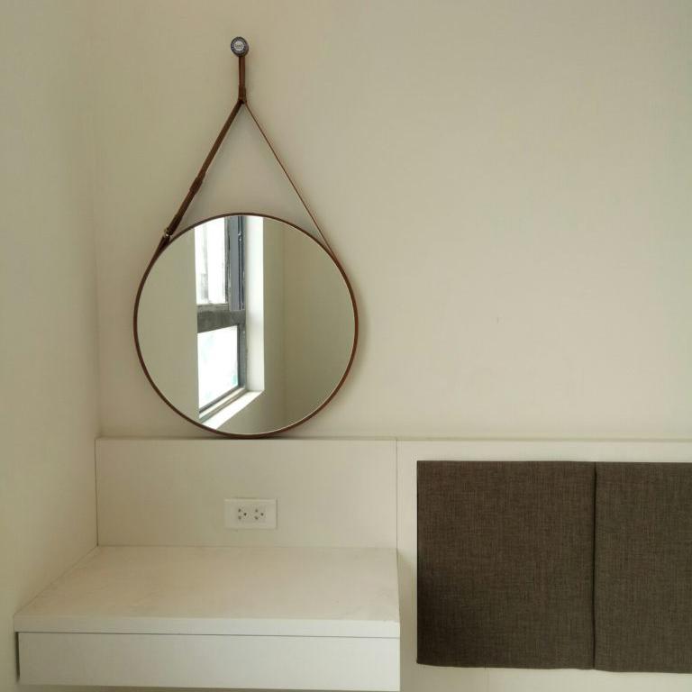 Gương đèn led dây da nâu - MODEL 20002