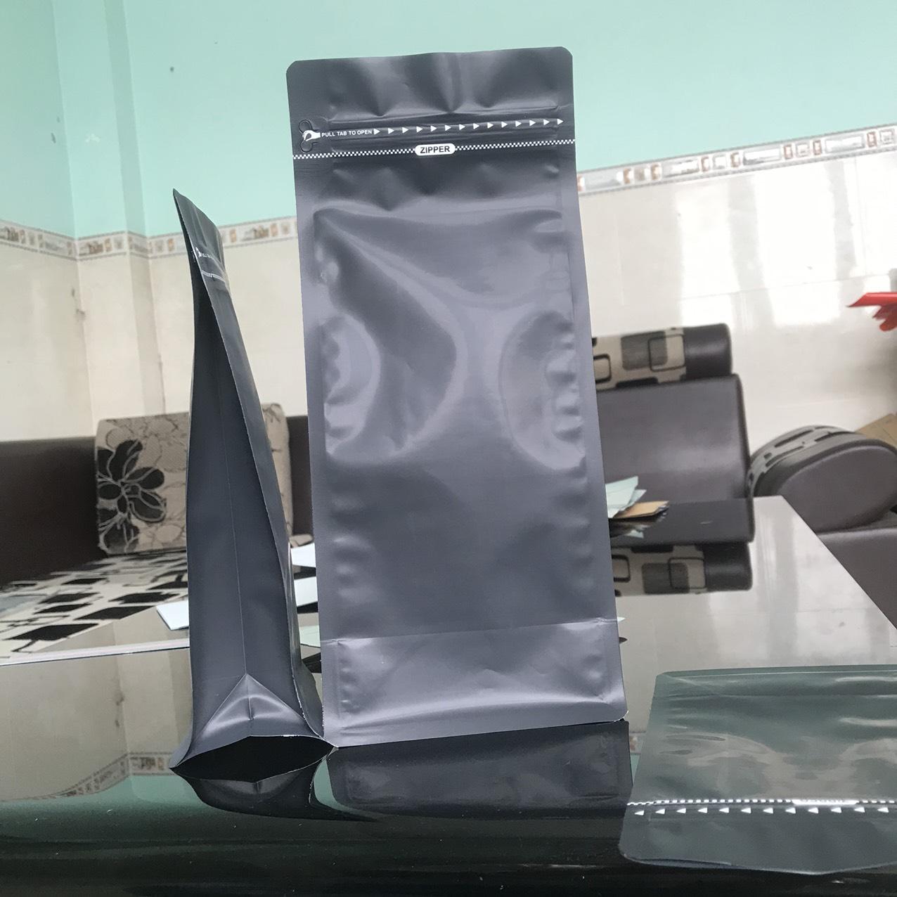 Túi zipper đáy bằng pocket đen mờ 250g