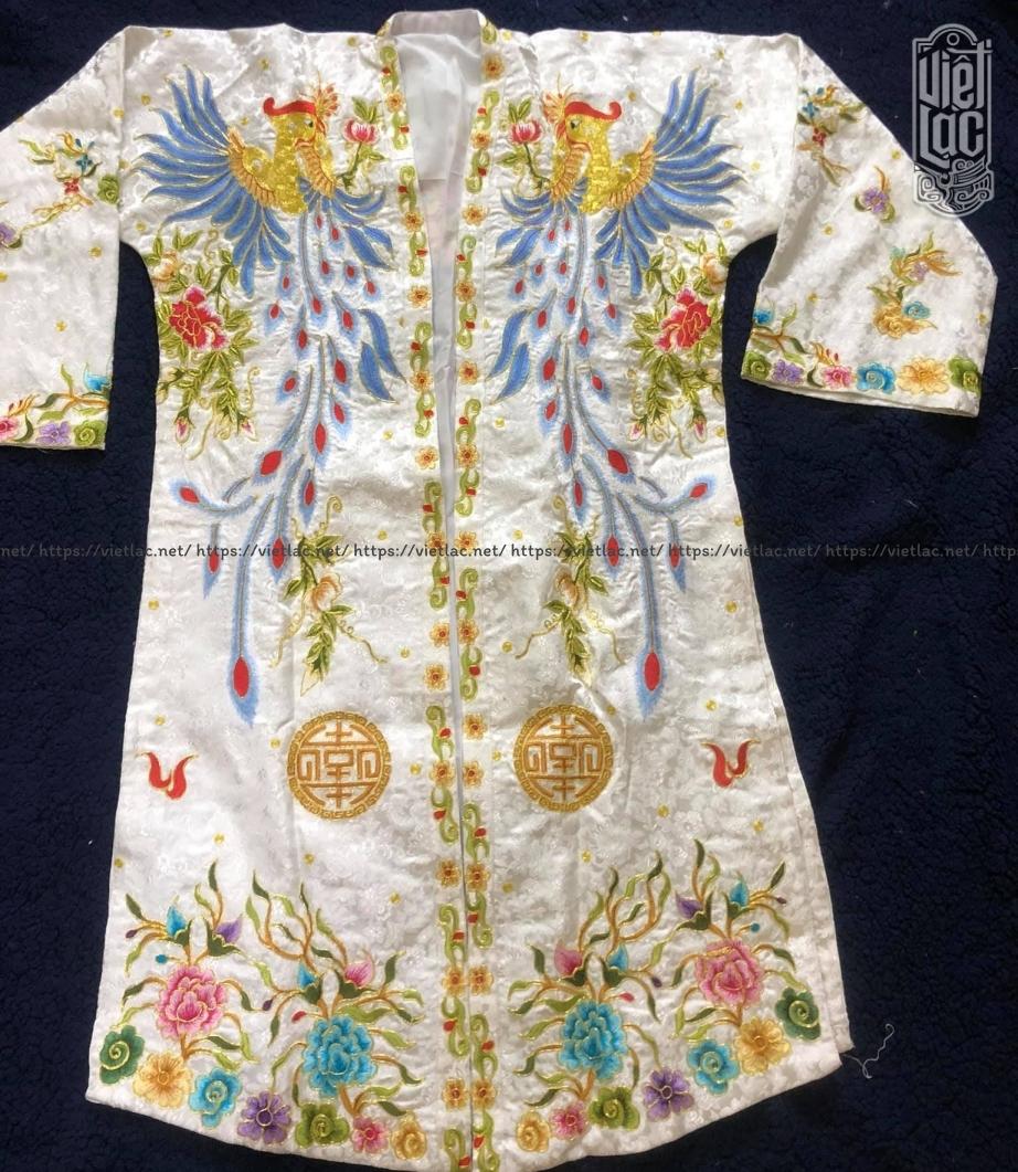 Áo hầu Chúa thêu họa tiết vải gấm