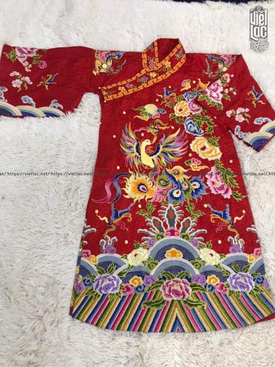 Áo hầu Mẫu thêu họa tiết vải gấm