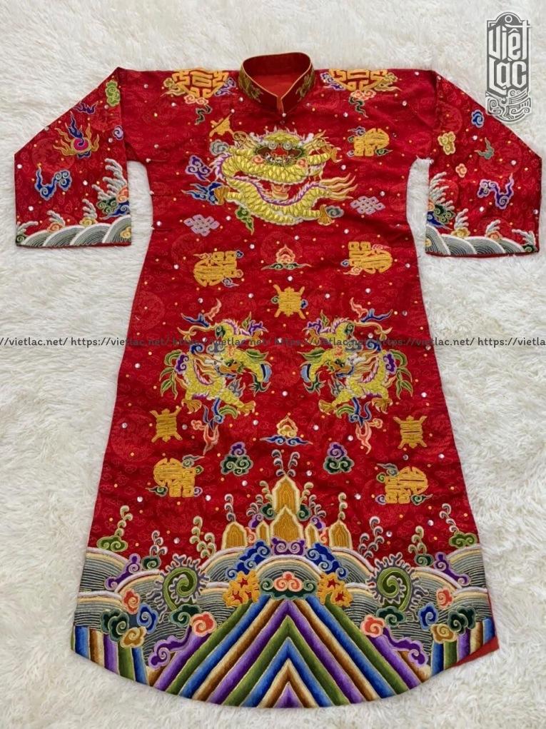 Áo hầu Quan thêu họa tiết vải gấm