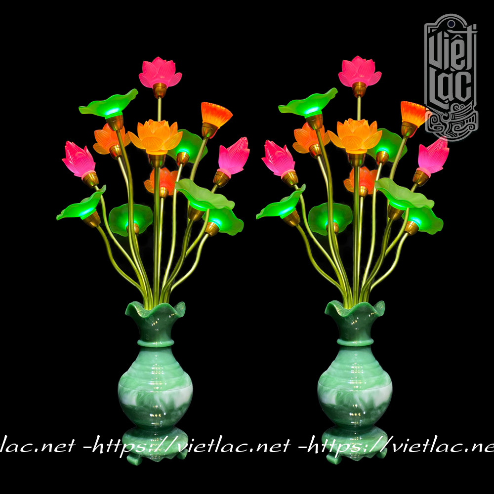 Đôi đèn bình ngọc hoa sen thủy lưu ly