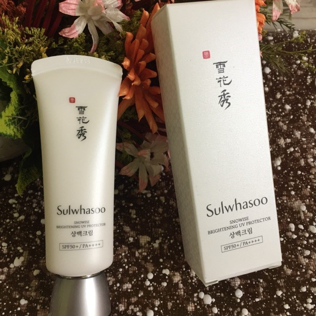 Kem chống nắng Sulwasoo Snowise Brightening UV Protector SPF50+/