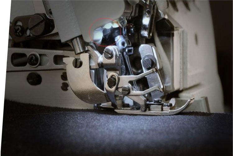 Đèn LED được tích hợp, có thể điều chỉnh cường độ sáng