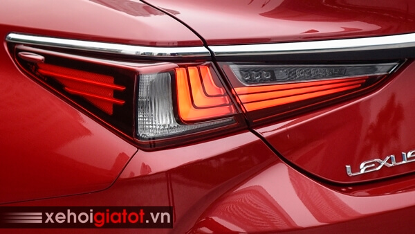 Đèn hậu xe Lexus ES