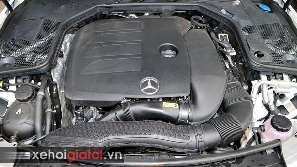 Động cơ xe Mercedes C-Class