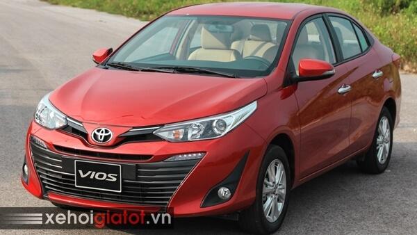 Toyota Vios màu đỏ