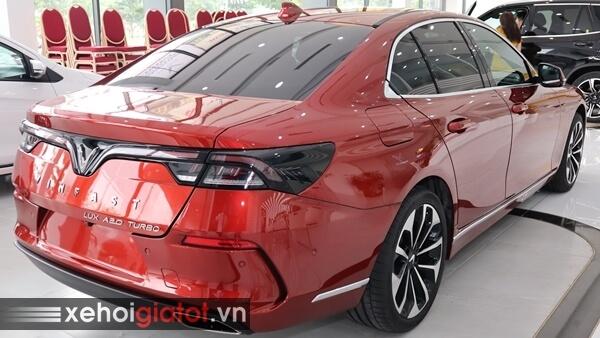 Phần đuôi xe Vinfast Lux A2.0