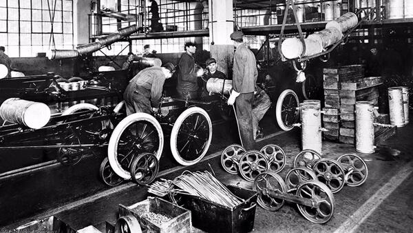 Dây chuyền sản xuất ô tô Ford