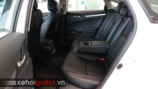 Hàng ghế sau xe Civic 1.5 RS