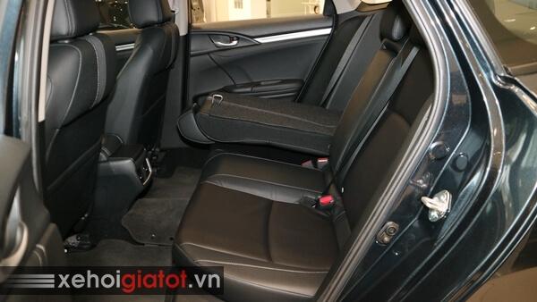 Gập hàng ghế sau xe Civic 1.8 G