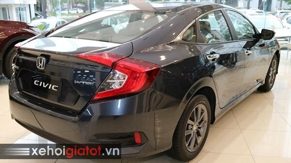 Phần đuôi xe Civic 1.8 G