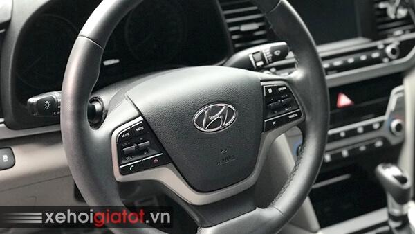 Vô lăng xe Hyundai Elantra 2.0 AT 2017 cũ
