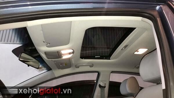 Cửa sổ trời xe Hyundai Elantra 2.0 AT 2017 cũ