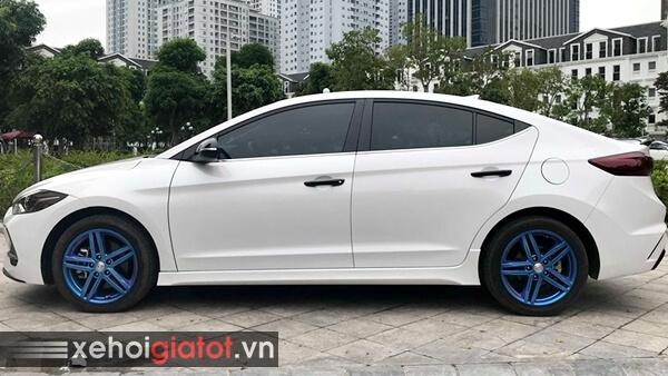 Thân xe Hyundai Elantra Sport 1.6 Turbo 2018 cũ