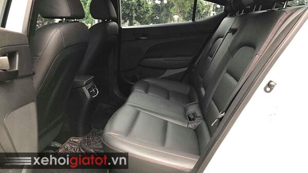 Hàng ghế sau xe Hyundai Elantra Sport 1.6 Turbo 2018 cũ
