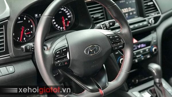 Vô lăng xe Hyundai Elantra Sport 1.6 Turbo 2018 cũ